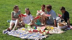 Cheerful Parents with Four Kids Stok Videosu (%100 Telifsiz) 19488595 |  Shutterstock